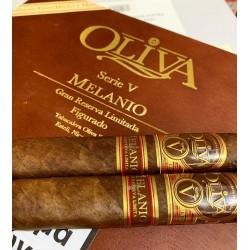 Πούρα Oliva Serie V Melanio Figurado Κουτί των 10